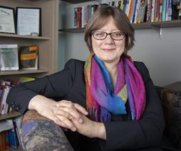 Former Visiting Fellow Amy Erica Smith